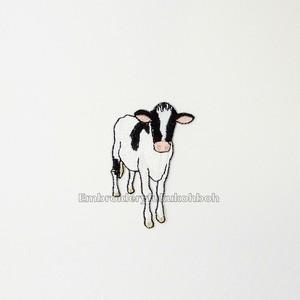 ホルスタインの子牛シロちゃん 牛 刺繍ワッペン