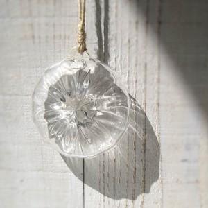 壁掛けの花器(メダル型)