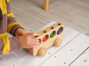 【1歳からのおもちゃ 出産祝い】 ケラー社(Keller)4人のりバス 脳の発達を助けます!