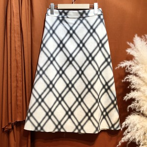Fake suede check flare skirt   Color :  Beige