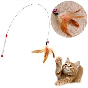 ネコ おもちゃ 猫じゃらし 羽根 棒 鈴付き 長い竿 ストレス発散 運動不足解消 釣竿