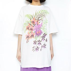 "90's ""Flowers"" Tee"