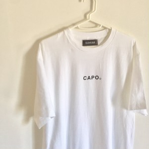 【CLEAROUR】「CAPO」ロゴTシャツ