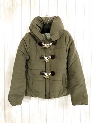ダッフルタイプのショート丈中綿ジャケット オリーブ