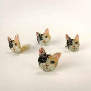 三毛猫のピアスとイヤリング