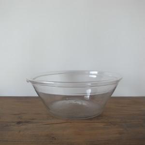 Lipped glass bowl