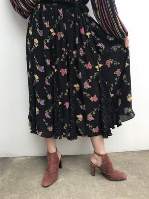 Diane freis black floral skirt