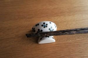 砥部焼/お茶碗型箸置き/小紋