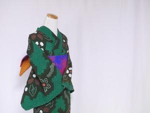 【M-68】 丈152 裄67 深みのある抹茶色に緑の蜘蛛絞り 縦方向に流れる鹿の子絞りの花柄 絞り 総絞り 浴衣 リサイクル