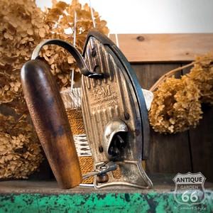 【JUNK】1951's アメリカヴィンテージ K-M社製 トラベル アイロン 木製ハンドル ミッドセンチュリー アンティーク【H-099-005】