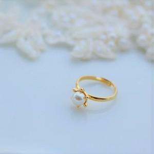 simple pearl ring