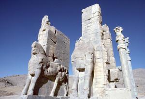 ペルセポリス遺跡 クセルクセス門の牡牛像