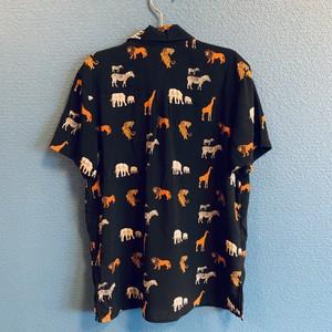 サバンナの動物柄レーヨンキッズアロハシャツ
