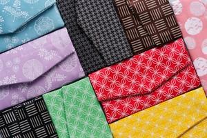 【8月17日〜21日順次発送】Ag+ 抗菌銀イオン糸使用、裏地に絹を贅沢に使ったマスクケース(全12種類)