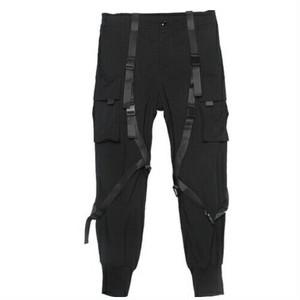 メンズジョガーパンツ。ベルトが個性的ブラックカラー