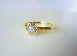 ナチュラルダイヤモンドのK14の指輪(ライトグレー)