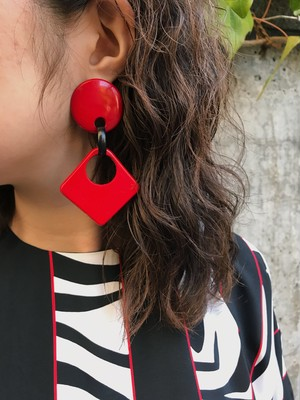 80s red × black pierced earrings ( ヴィンテージ レッド × ブラック ピアス