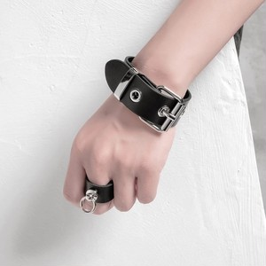 【1点のみ即納】leather belt bangle