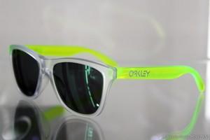 """OAKLEY """"Frogskins"""" Matte Clear"""