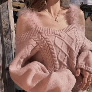 全2色オフショルファーウールニットセーター