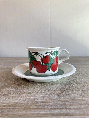 ARABIA アラビア/ Kirsikka キルシッカ/ コーヒーカップ&ソーサー