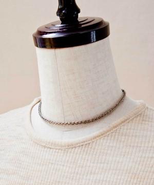 編みチェーンのショートネックレス