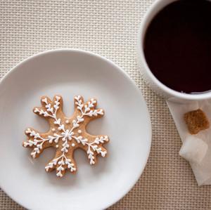 シナモン味 雪の結晶 (アイシングクッキー)