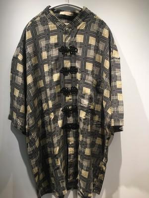 美術館に迷い込みました?古着リメイクチャイナシャツ