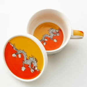 【フラッグふた付カップ】幸せの国・ブータン