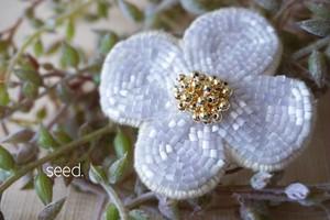 flower ブローチ