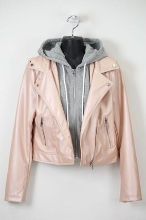 ピンクラメの合皮ジャケット