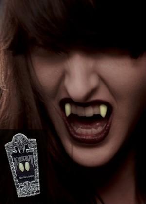 [SCARECROW]暗闇に輝く!!グローファングス(蛍光の牙) [SCARE-GLSSK]