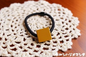 漆のヘアゴム【黄】(四角・小) / Square-shaped hair elastic in yellow URUSHI[S]
