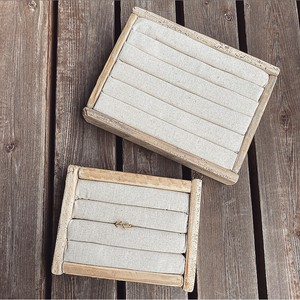 Big drift wood ring case.