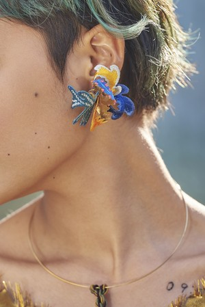 ARRO / Embroidery earing / Wetland / blue