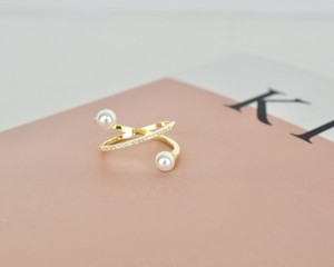 Lady pearl ring