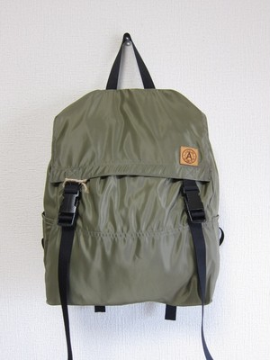 A WAGON SHOP : MA-1 BACK PACK<Olive>