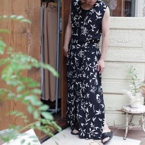Viscose Sleeveless Dress / モノトーン リーフ柄 ワンピ