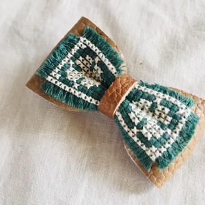 wakemiki/刺繍リボンブローチ C