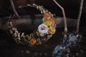 三日月リース Mサイズ 〜ジュリアオレンジ × イエロー