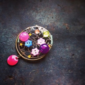 sorriso beato Happy brooch(ブローチ)
