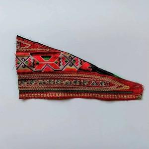 モン族の刺繍アンティークファブリック三角D