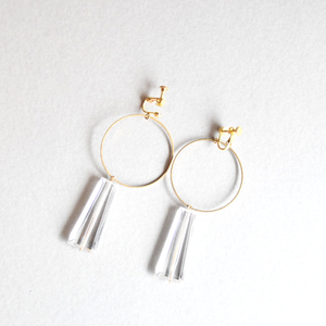Brass earrings/clear Bar