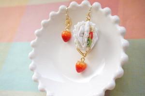 【受注生産】《FABRIC BALLOON mini  ひとくちフルーツパフェ 片耳》