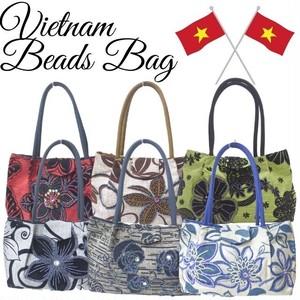 丁寧な縫製と 可愛いビーズやスパンコール使いが魅力のベトナム雑貨 小物 ゴージャスで上品なトートバッグに仕上がりました 落ち着いた色味のゴージャスなビーズやスパンコールをデザイン♪ ベトナムビーズデザイントートバッグ