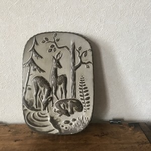 鹿たちの陶板