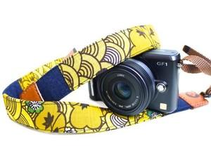 カメラストラップ 3㎝巾 ミラーレス&一眼レフカメラ用 両面 紅型デザイン 反物 波 黄色