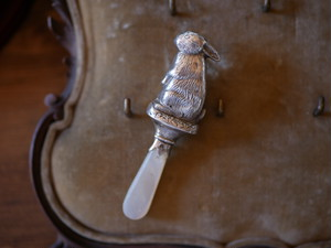 スターリングシルバー うさぎのベビーラトル イギリス アンティーク