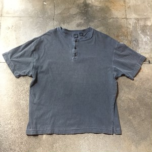 90s GAP Henley Neck T-shirt