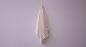 CREAM - BATH TOWEL / Linen Me